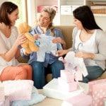 Das richtige Geschenk für eine Babyparty zu finden, ist gar nicht mal so einfach.